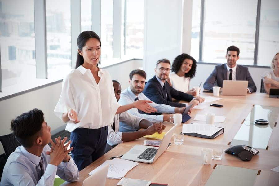 a businessperson practicing agile leadership in her organization